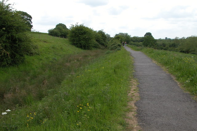 Old Canal near Reybridge