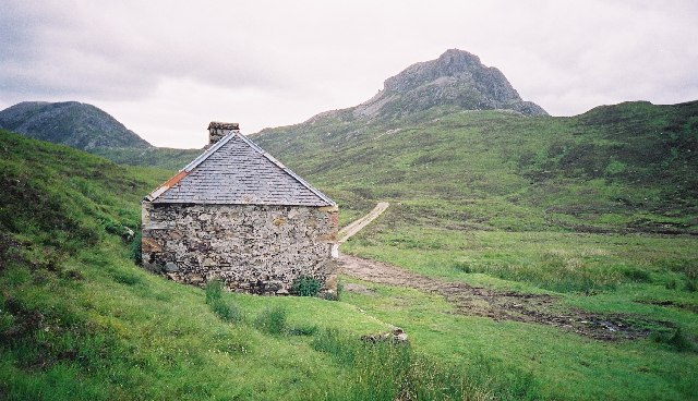 Larig Leacach bothy, looking north east with Sgur Innse on the right
