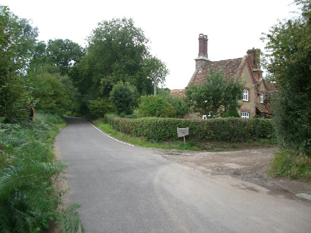 Coldharbour Lane: the turning for Chadhurst Farm