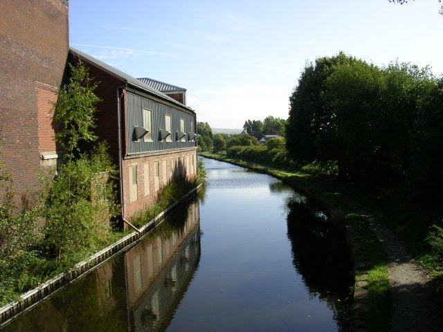 Ashton Canal, Droylsden
