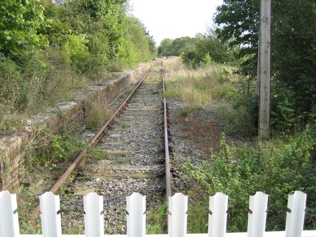 Railway track heading towards Winslow