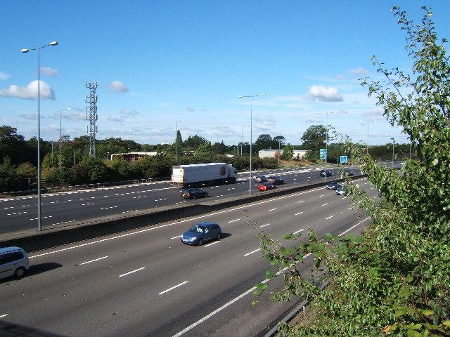 M25 from footpath bridge