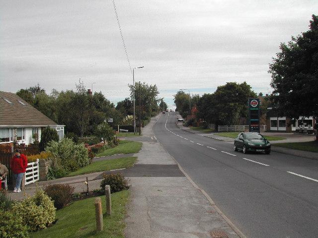 View east along Mickledale Lane, Bilsthorpe