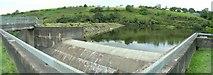 SN6403 : Dam wall and weir at Lower Lliw Reservoir by Nigel Davies