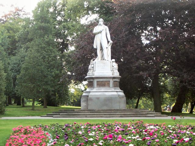 Statue of Samuel Cunliffe Lister, Lister Park, Bradford