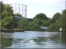 SU7373 : Entrance to the Kennet and Avon Canal by Robin Williams