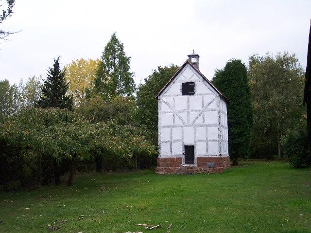 Dovecote, Wichenford Court