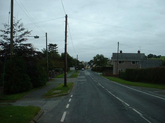 Clawdd-newydd Village Centre