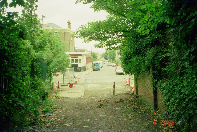 End of the Brockley Footpath