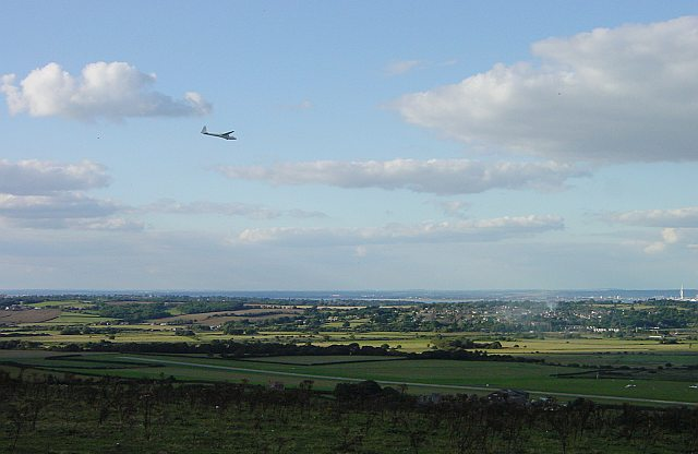 Glider approaching Bembridge Airfield