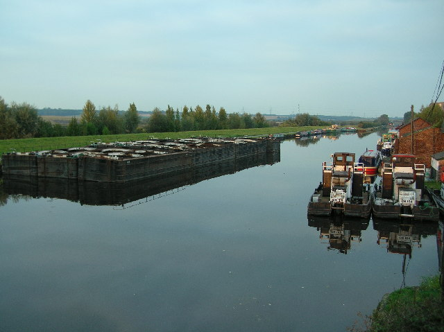 Canal at Castleford - Part II - Looking NE