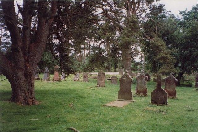 Llanilltyd Churchyard, Glyn Tarell Community
