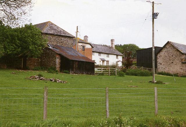 Skilgate: Surridge Farm