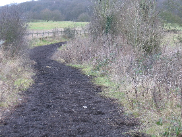Path to Bayhurst Wood Countryside Park