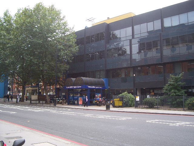 Queen Mother Sports Centre, Vauxhall Bridge Rd, SW1