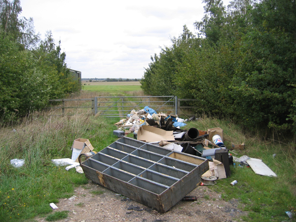 Fly-tipping, Dunton, Beds