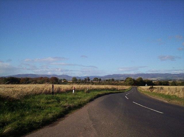 The road between Hillside and North Water Bridge