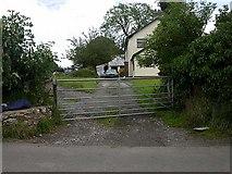 SJ1772 : Bryn-y-Cosyn Farm by David Kitching