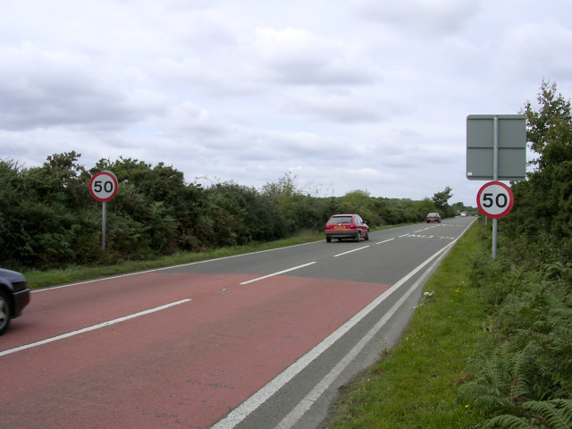 The A337 approaching Setley, New Forest