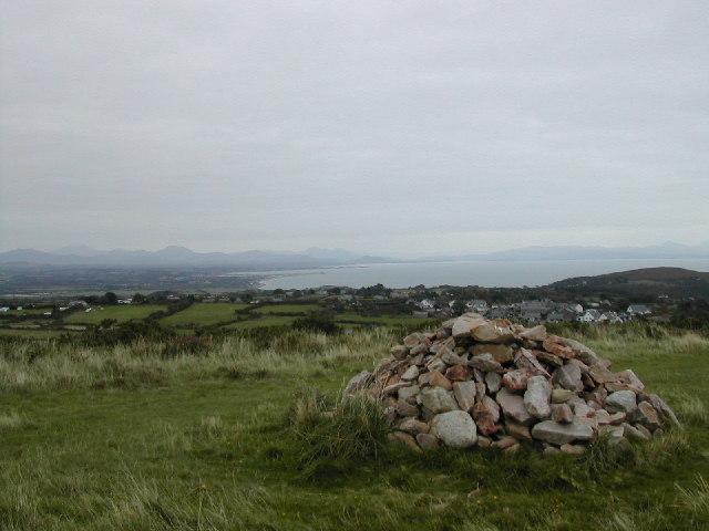 Cairn at Foel gron , Mynytho