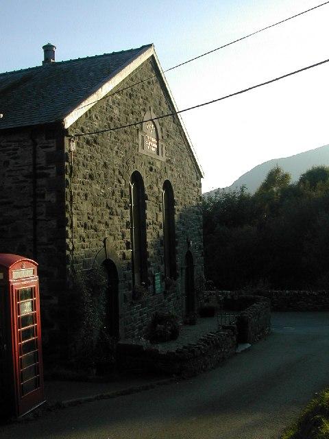 Chapel and red Phone Box at Nantmor