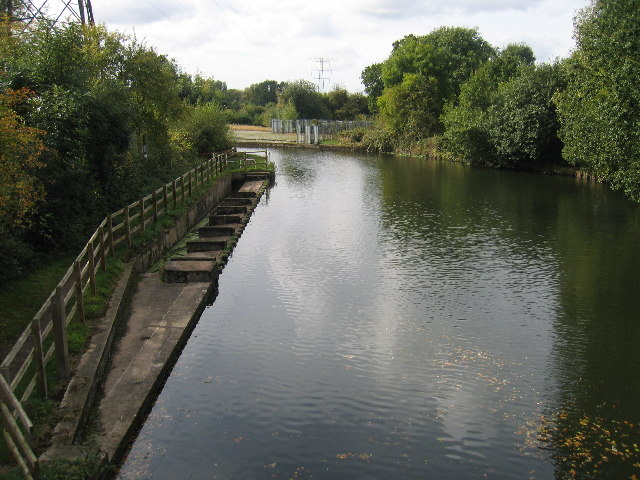 Grand Union Canal at Henwood