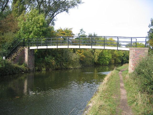 Footbridge near Kixley