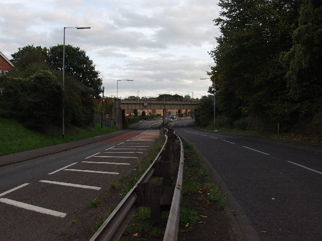 Railway crosses the B 5605