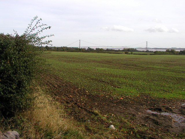 The Humber Bridge from the North Ferriby to Hessle road.