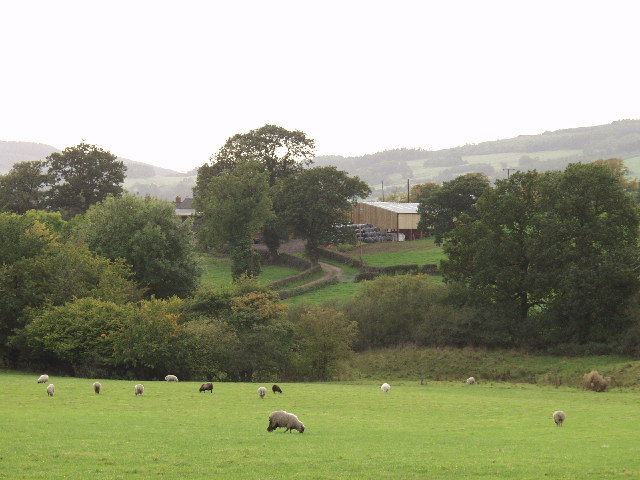 Pentre-isaf farm steading