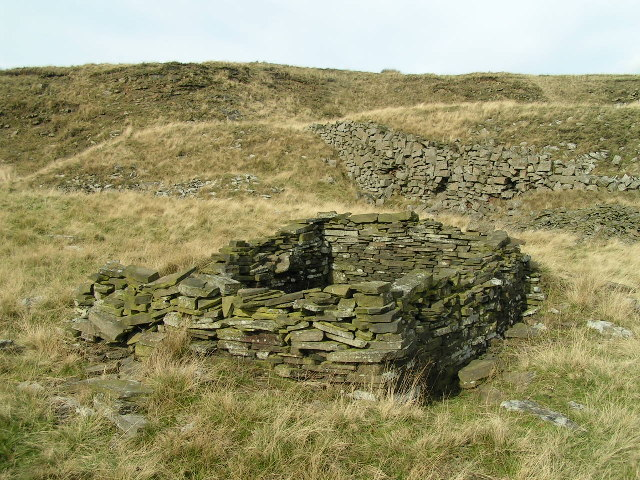 Quarryman's hut, Cracken Edge