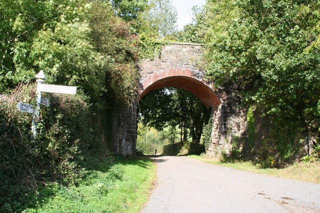 Bathealton: Sminhay Bridge