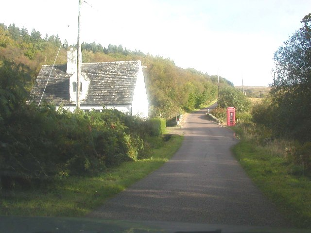 Dwelling house and public telephone box, Cour, Kintyre