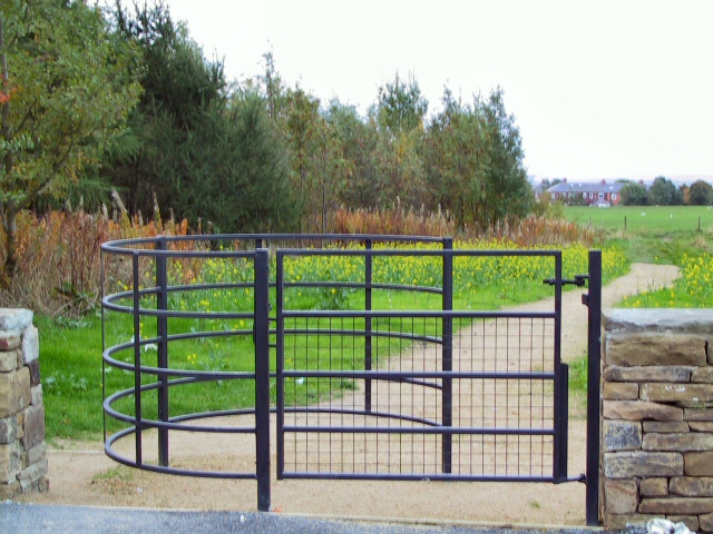 SD9206 : Kissing Gate at Owd'm Edge