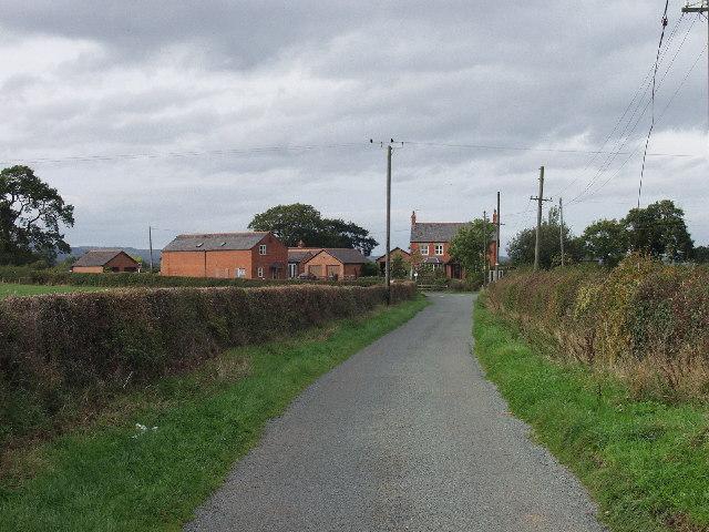 Farm buildings at Cae-gwydd