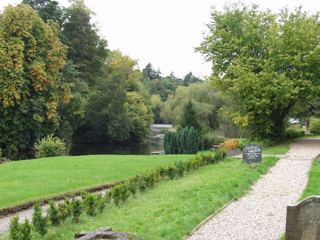 Afon Dyfrdwy from the graveyard of St. Hilary Erbistock Ford