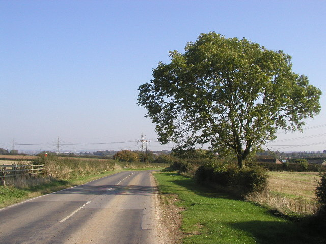 The road from Little Weighton to Skidby