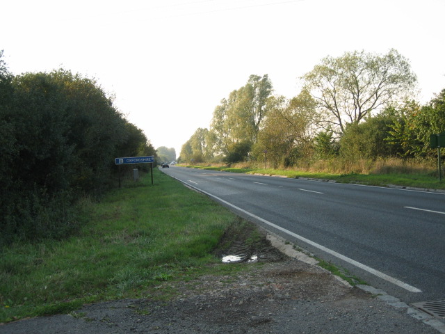 Looking west from Bucks side towards county boundary with Oxon