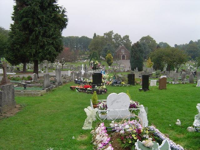 Watford: North Watford Cemetery