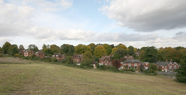 Shawford Road housing, west of railway