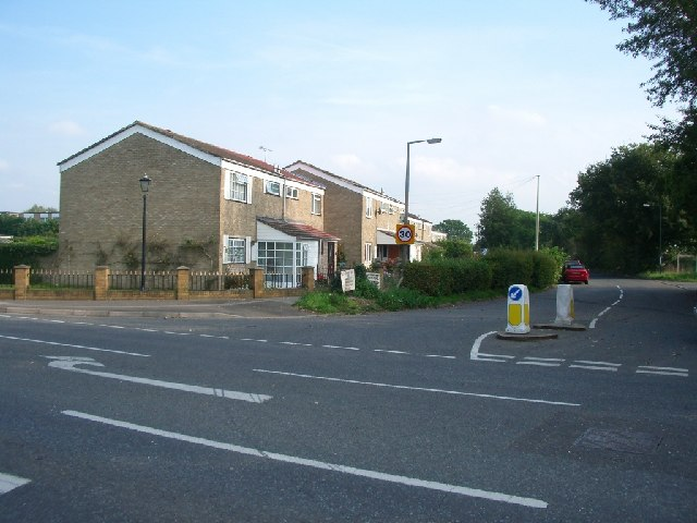 Junction of Fieldcommon Lane with Molesey Road
