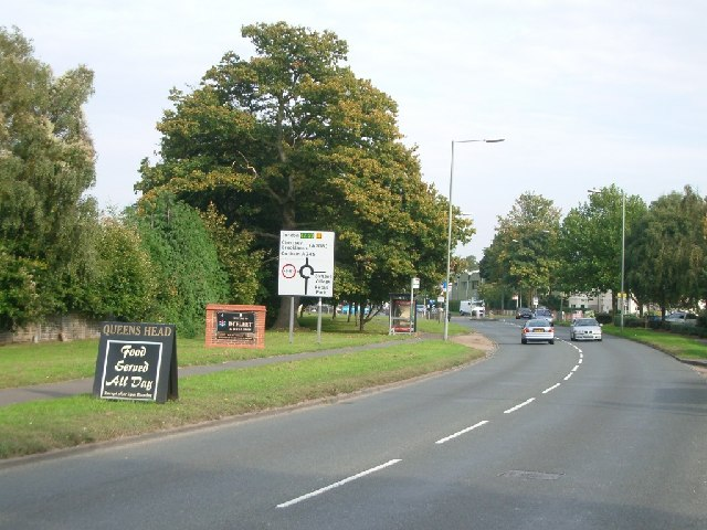 The approach to Byfleet from the west along Parvis Road
