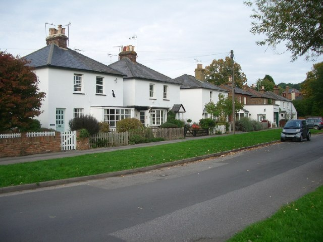 Houses on the north side of Winterdown Road