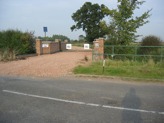 Entrance to Elton Park Farm, Nottinghamshire