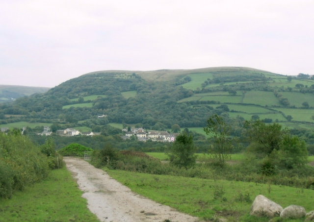 Outcrop at north end of Betws Mountain