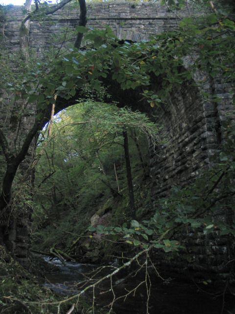 Pont Tal-y-bont over Afon Cynfal