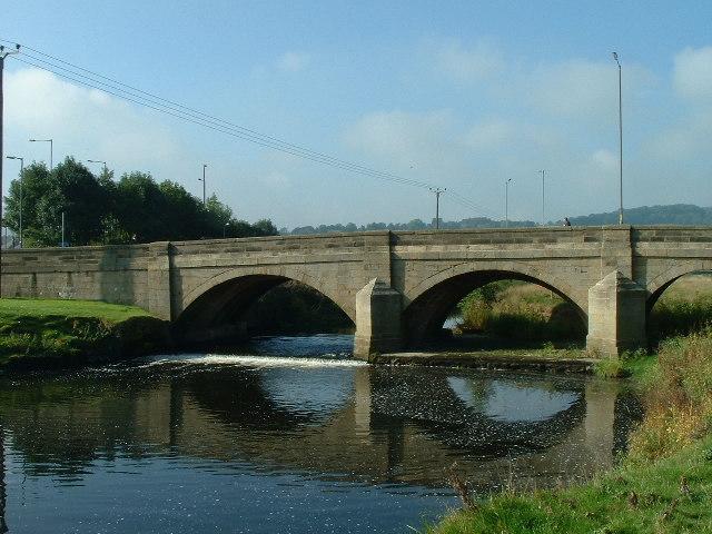 Kildwick Bridge over River Aire