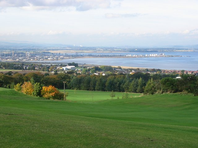 Grangemouth from Airngath Hill.