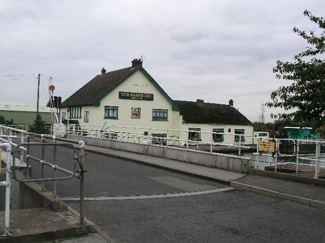The Barge Inn & Keadby Swing Bridge