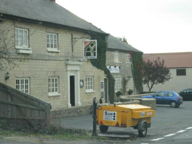 Lodge Hotel, Horton Hill, Horton-Cum-Studley